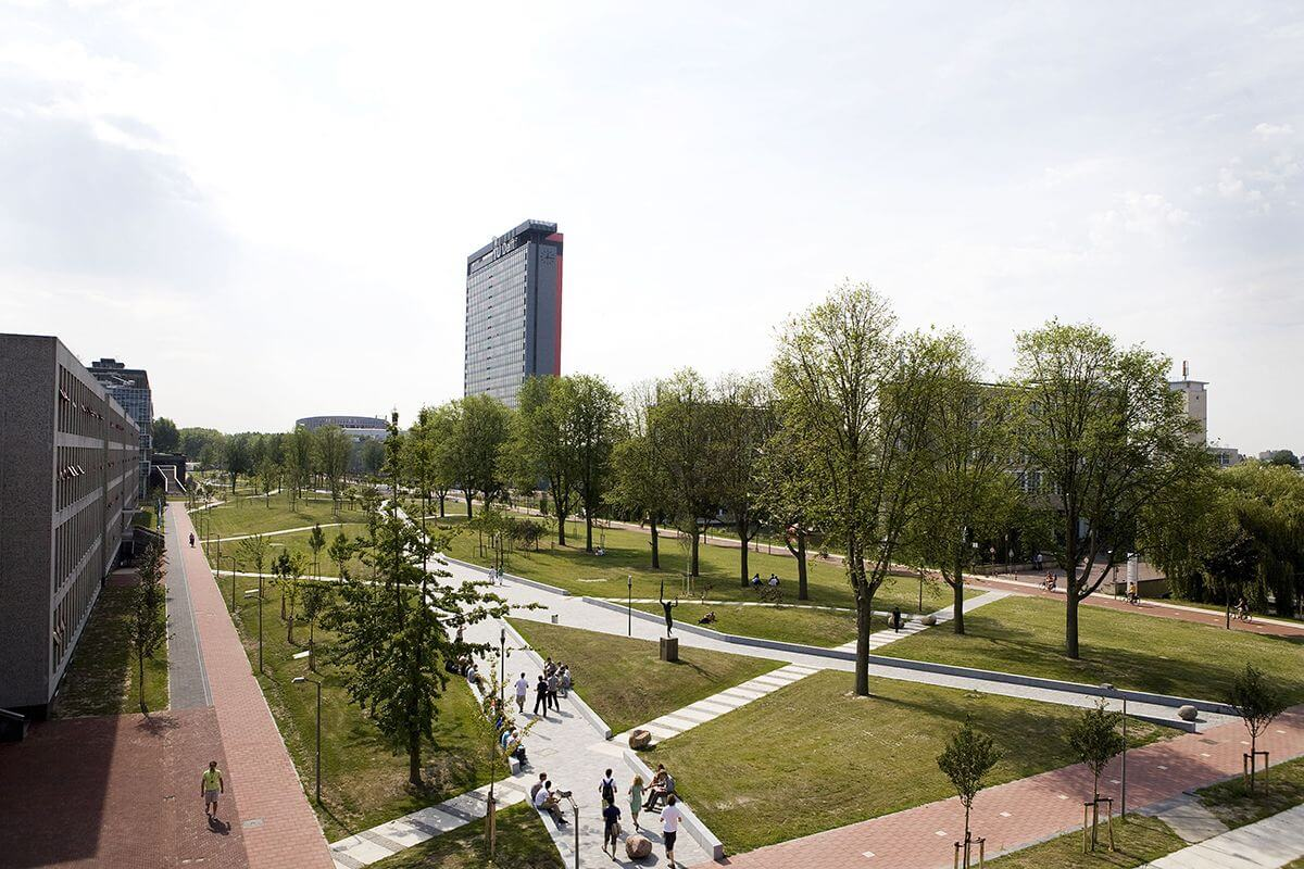 Mekel_Park_-_Campus_Delft_University_of_Technology_01
