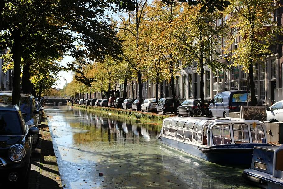 delft-canal-boat-canals-water